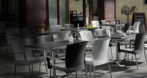 Mobilier de restaurant et banquette de restaurant pour for Mobilier exterieur restaurant